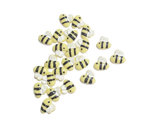 bee resin nail art image